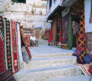 Antalya'nın yüzyıllardır değişmeyen kültür mirası: Döşemaltı halıları