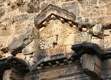 Aspendos Tiyatrosu hakkında iki efsane